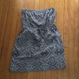 Strapless geo print dress, tie detail waistline